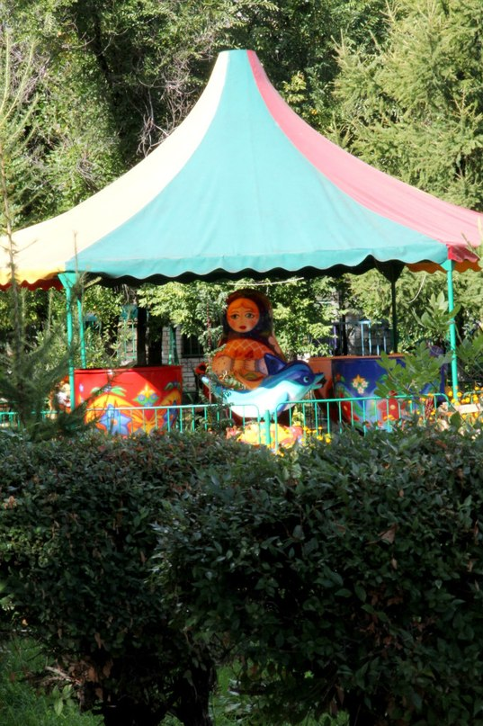 Парк аттракционов в селе Кулунда