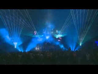 Simon Patterson playing Bjorn Akesson - Perfect Blue (Allan Morrow Remix) @ Global Gathering 2013