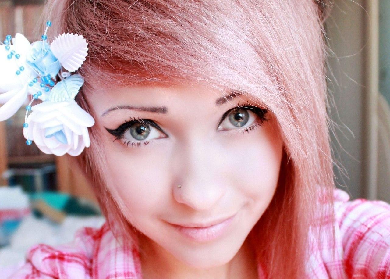 Фото юной девочке кончил на лицо 16 фотография