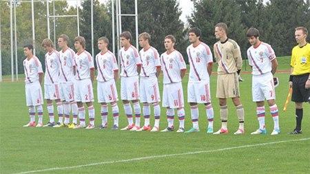 Юношеская сборная России победила валлийцев и заняла первое место в группе