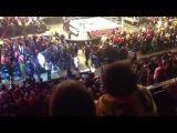 ◄ WWE RAW Fan Fight During The Main Event - 5/27/13 (Calgary Canada) ►