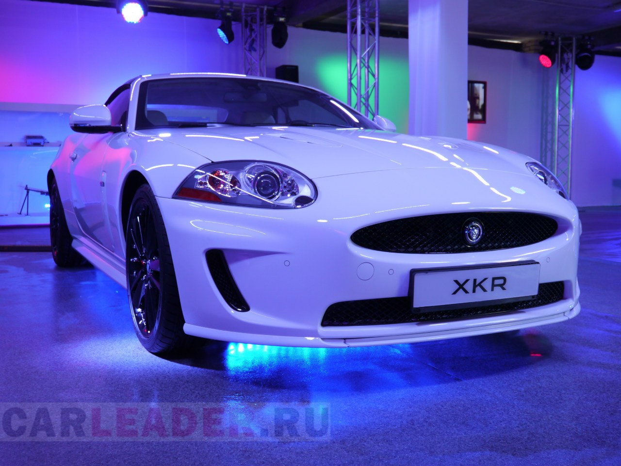 Jaguar XKR 2012 Car Leader