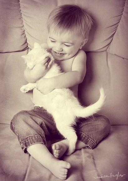 Дети — это нити, которыми мы привязали себя к этому миру на случай, если вдруг он нам смертельно надоест…