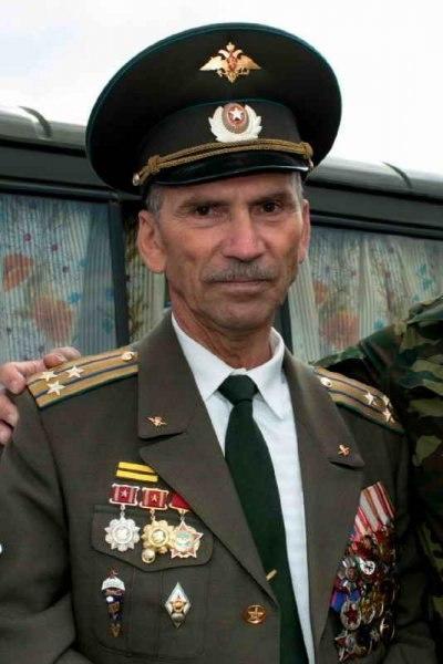 Могила кузнецов николай алексеевич на левобережное кладбище (магнитогорск)