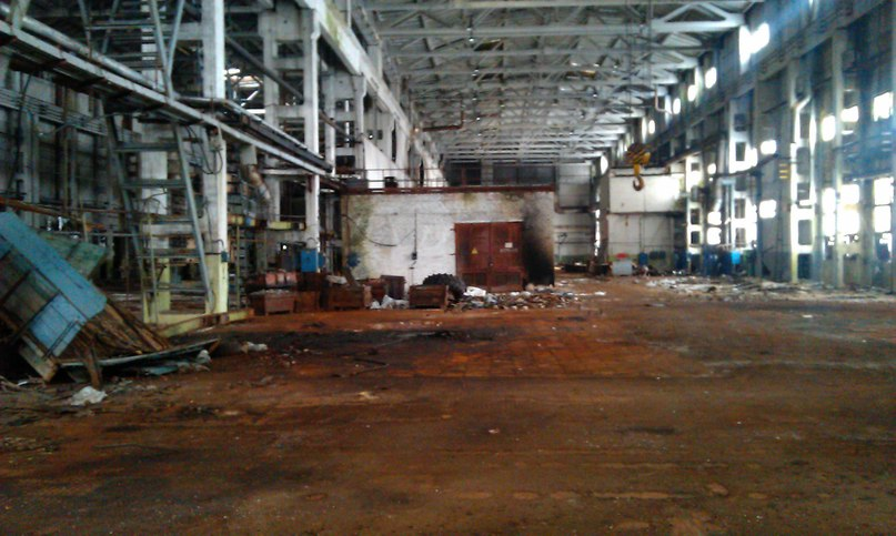 Поход в цех тракторного завода по изготовлению БТР.