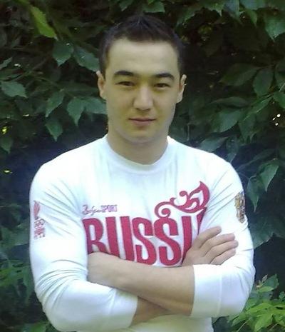 Исломиддин Туристов, 27 апреля , Казань, id216947869