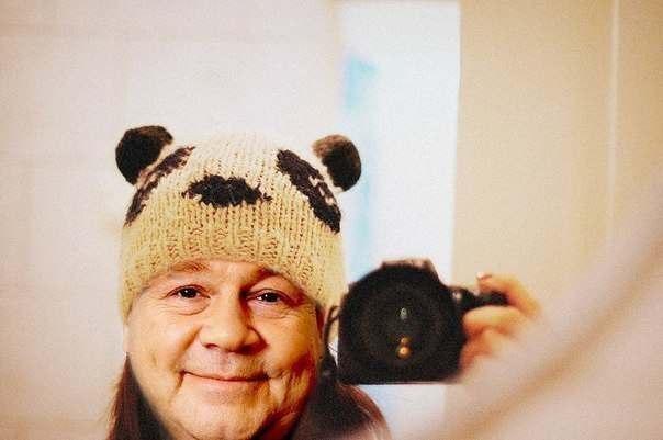 Вязанная панда шапка