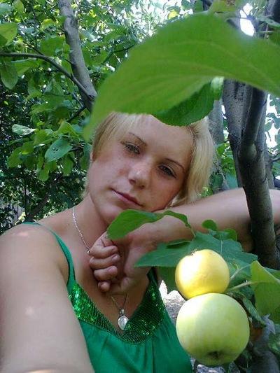 Катюша Свеженцева, 30 августа 1990, Ейск, id201264822