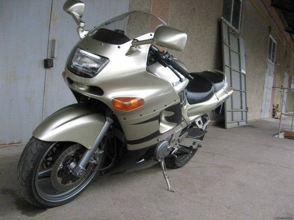 Kawasaki ZZR400
