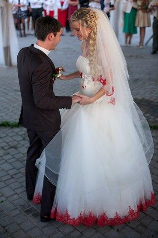 Продаю весільну сукню ab312706645c5