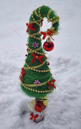 Сделать елку из сизаля