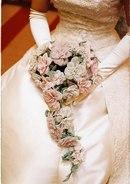Красивая подборка свадебных букетов из бисера :) Больше свадебного вдохновения у нас на Pinterest.