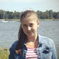 Лена Максимова