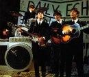 Переизданные альбомы The Beatles установили рекорды продаж.
