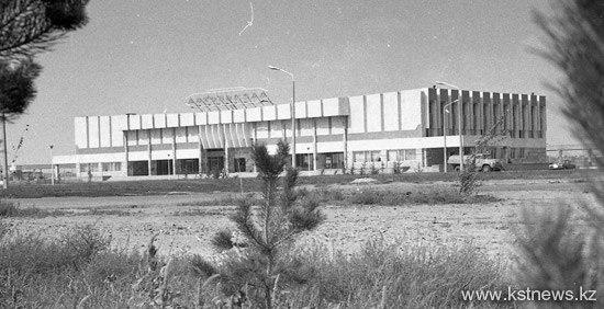 Аэропорт Наримановка расписание рейсов прилет вылет