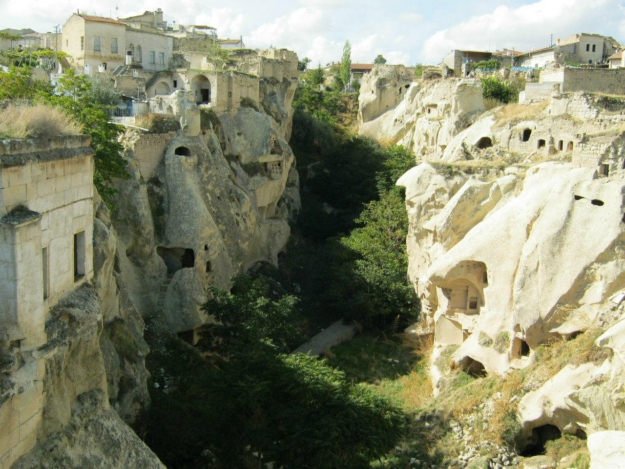 Таких каньонов (долин) в Каппадокии очень много