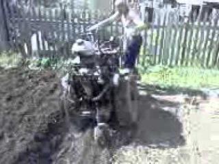 Мотоблок с мотором УРАЛ от Бухмирова в работе