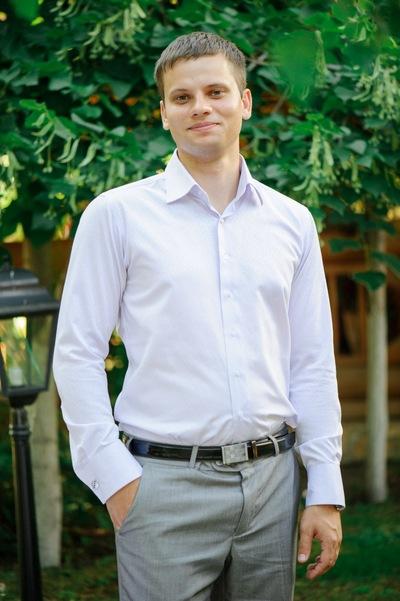 Антон Сафонов
