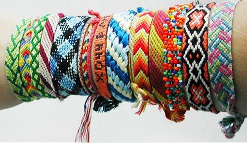 Эти браслеты сделаны вручную и обычно делают их из ниток.  На схемах фенечек этот узел обозначается по направлению...