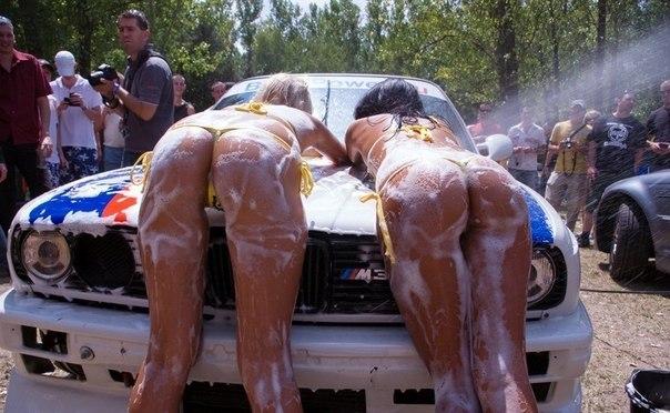 брюнетки на машинах: