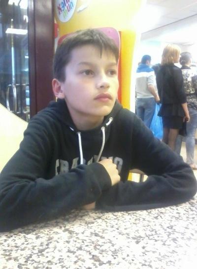 Валентин Нагорнюк, 11 июля 1998, Киров, id134442455