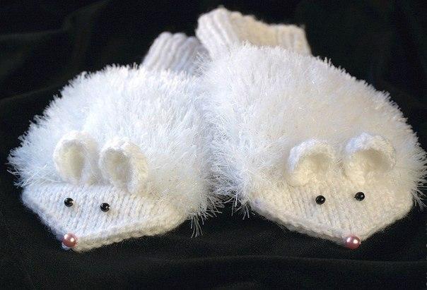 Варежки-мышки спицами на