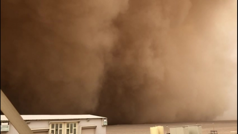 A dust storm swept through Kuwait on 22/9/2018 and the day turned into darkness