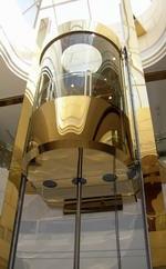 В Омске начинают выпускать лифты грузоподъемностью 1000 кг.