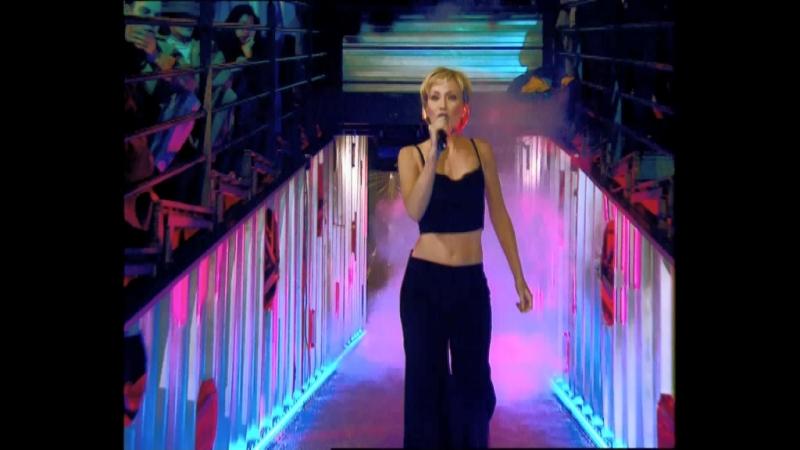 Les Enfoirés - Au bout de mes rêves (clip) (2000)