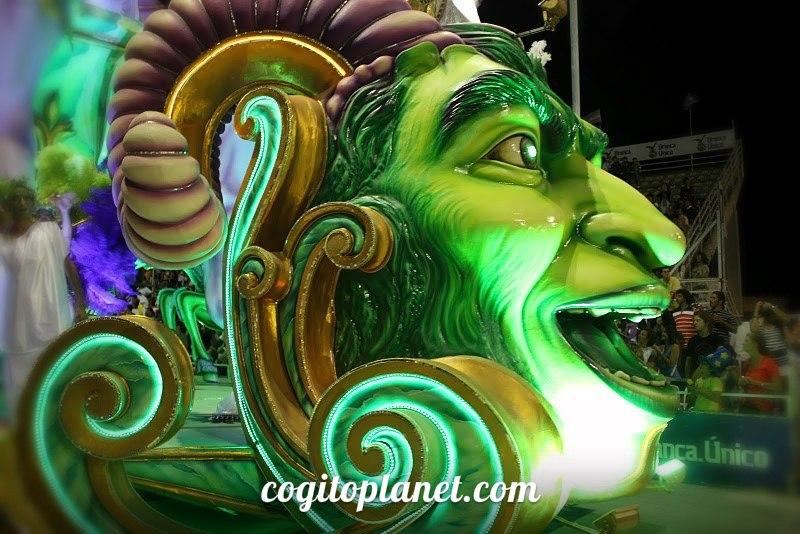 Аргентина: Карнавал в Гуалегуайчу (видео)