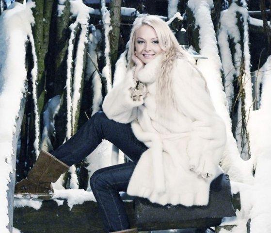 картинки девушек блондинок в шубе - 7