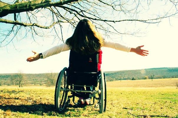 Путешествие под водой в инвалидном кресле ...