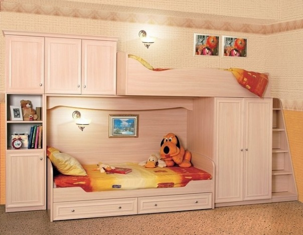 крашенная детская мебель из сосны фото