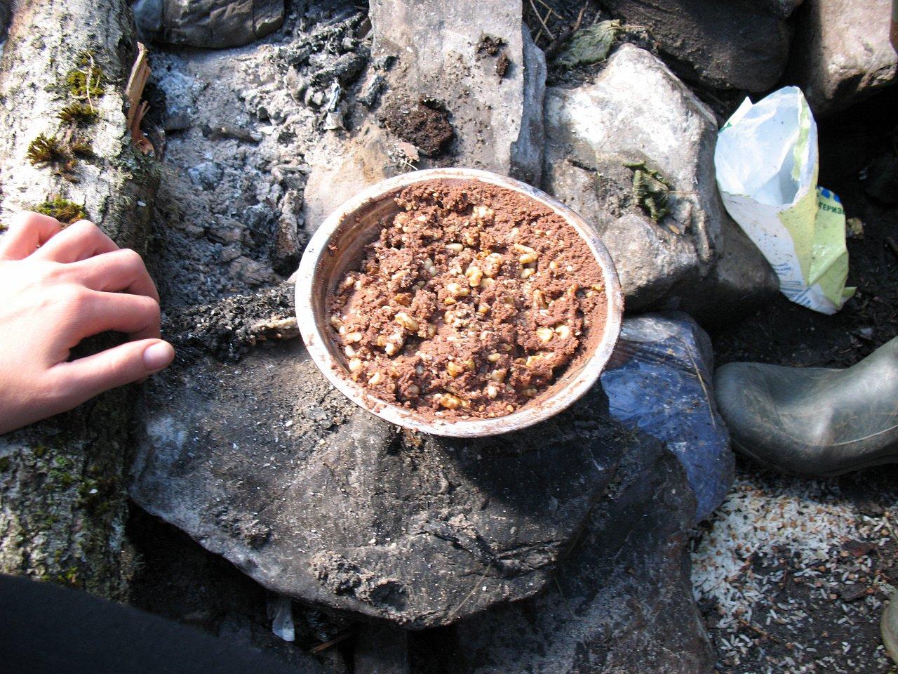Торт из остатков печенья, сухофруктов, орехов, сгущенки