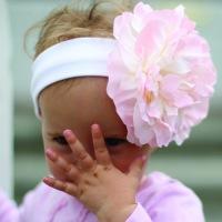 Повязка на голову Gigis Белая/ Розовый Пион - много предложений.