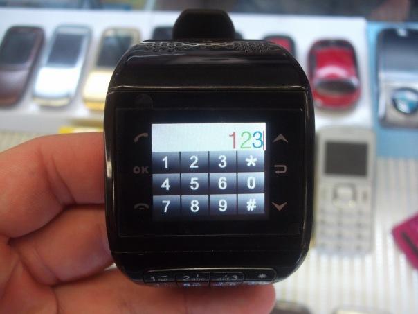 Часы-телефон с сенсорным экраном: обзор от Artemis-x