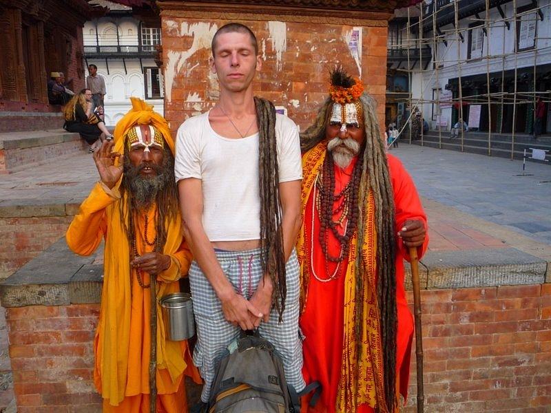 традиционный наряд садху в Индии и Непале