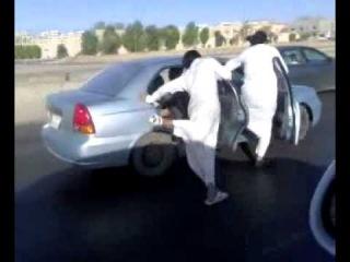 Verrückte Araber auf Autobahn (Saudi Arabien)