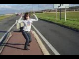 Девушка очень класно танцует Тектоник