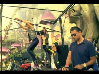 Afrojack feat. Dimitri Vegas & Like Mike and Nervo – The Way We See The World (Tomorrowland Anthem)