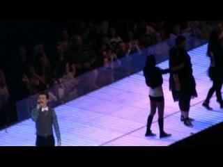 glee live tour 2011 - I wanna hold your hand & ain't no way