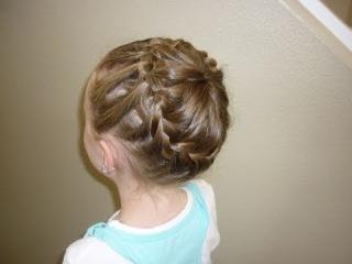 Плетение косы из хвоста и свободных волос. (Англ.) Сложность 4/10.