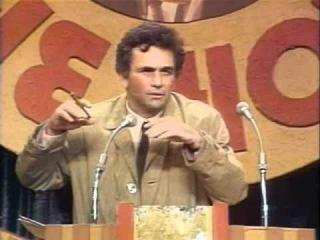 Питер Фальк в образе Коломбо на ТВ-шоу (1977)