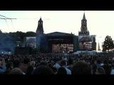 Мужик с топором отжигает)) Linkin Park in Moscow - In The End 23.06.11