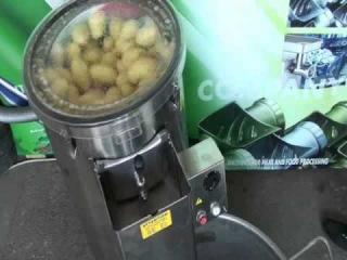 Работа картофелечистки