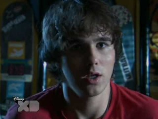 L Zeke and Luther l Зик и Лютер l S02E01 - Zeke Jumps the Shark part 2/3 PL
