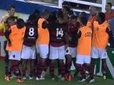 Гол Роналдиньо за Фламенго в матче с Аваи!