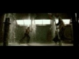 Resident Evil afterlife Alice & Claire Redfield vs The Axeman (HQ)