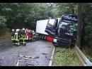 Lkw Unfall auf der B 252 Fahrer schwer verletzt