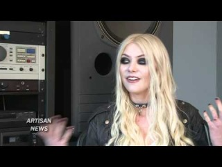 TAYLOR MOMSEN TAKES ON THE PRETTY RECKLESS REPORTING OF UNINHIBITED STAGE SHOW